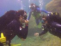 Communicating underwater