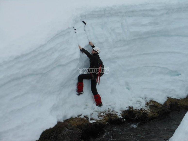 Escalada en la nieve