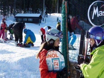 在马塞拉3个星期六的滑雪板课程,9小时。