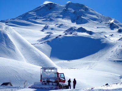 La Molina的3个星期天的雪道9小时。
