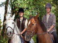 我们的农场享有骑马