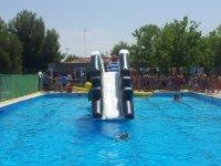 tobogan en la piscina