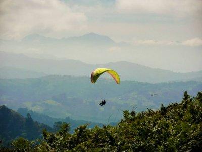 Volar en parapente en Gijón y vídeo en HD 15 min