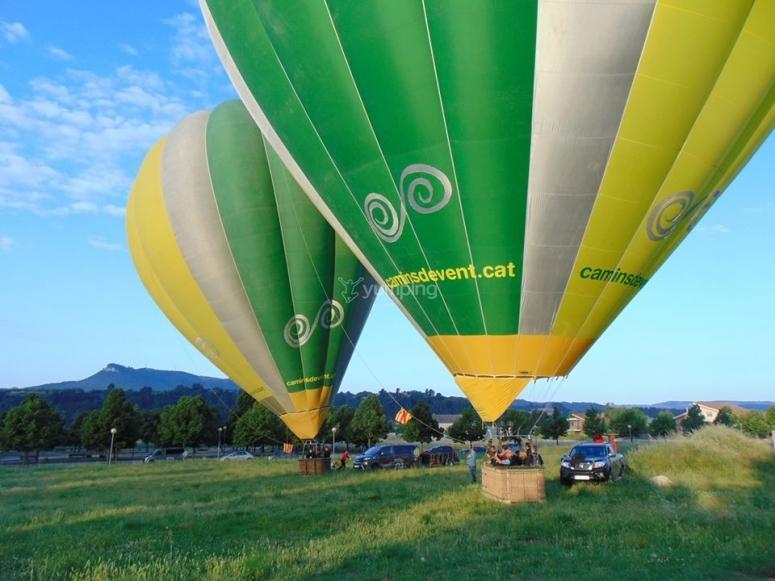 陆地上的静态气球
