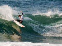 Tumbando la ola
