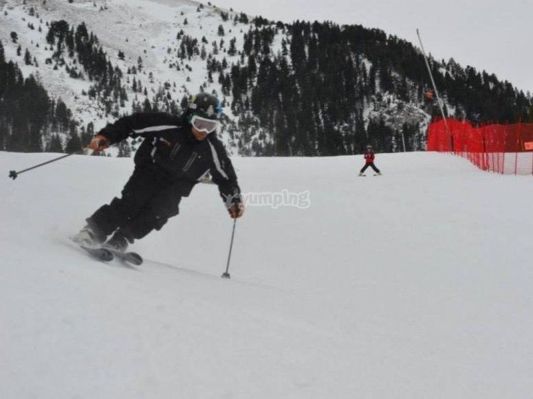 Clase de esquí en Masella