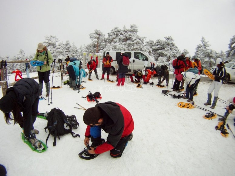 Snow rackets trip