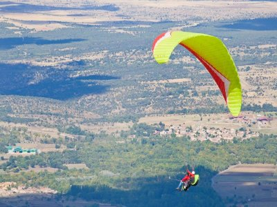 High Mountain Paragliding + HD video Madrid