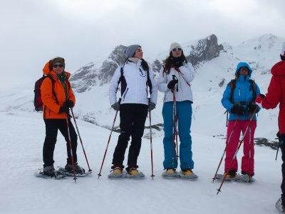 Raquetas de nieve y noche con MP en Canfranc