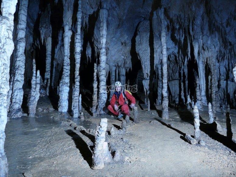 Interno della grotta di Coventosa