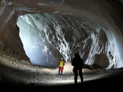Caving in Coventosa and Cayuela - 2 days