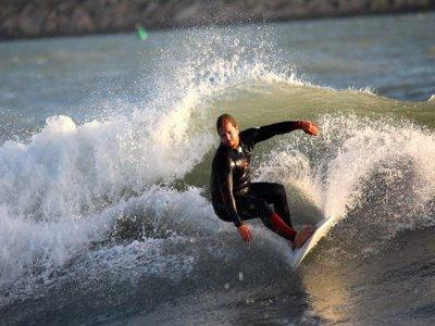 Víctor Fernández Center Surf
