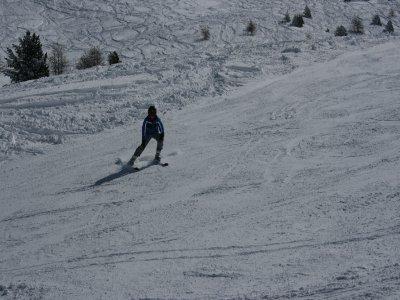 儿童滑雪课程周末Valdesquí8h