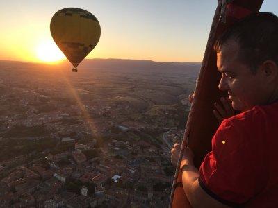 Vuelo en globo en Segovia almuerzo fotos y vídeo