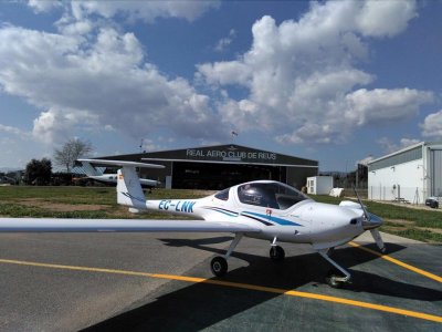 1h 30min Flight in a Piper PA28 Light Aircraft