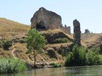 Restos arquitectonicos desde la ribera