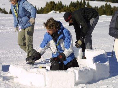 Construcción de iglús zona de Pallars
