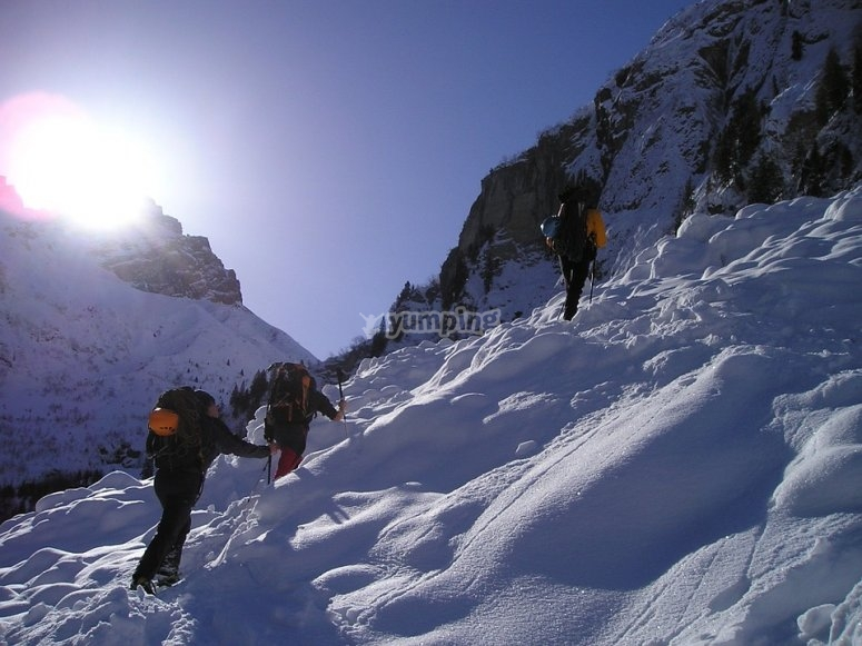 Subiendo por la montaña