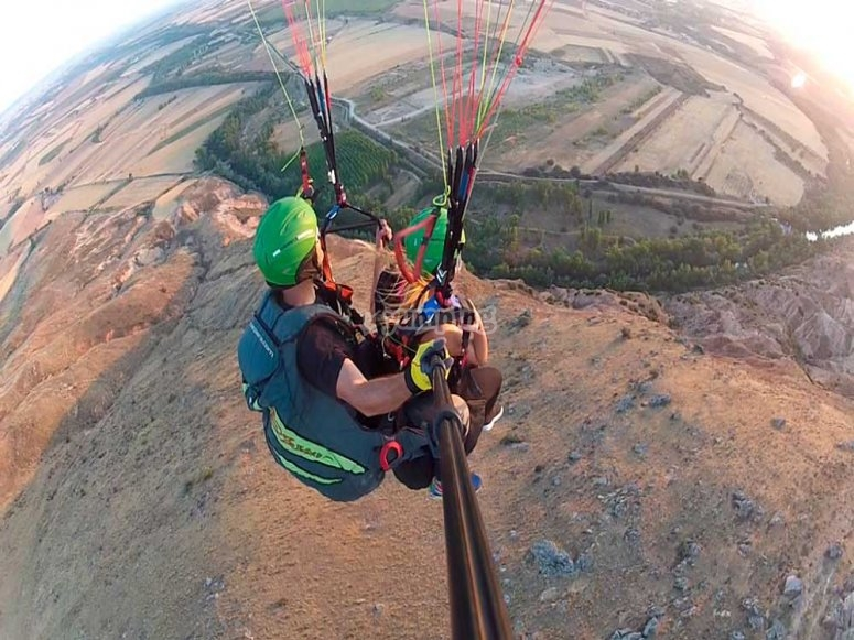 Panoramic views of the paraglider flight in Madrid