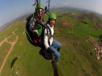 La Muela的飞行冒险滑翔伞25分钟