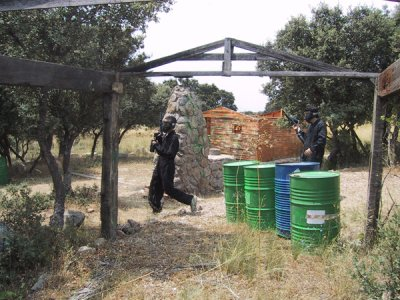 Paintball 100 bolas con barbacoa en San Rafael
