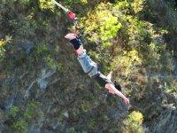 Salto de bungee de cabeza