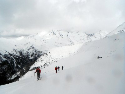 4-hour snowshoeing walk in Ordesa