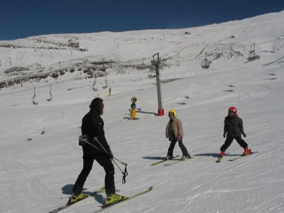 Skiing lesson on Sierra Nevada, 1h