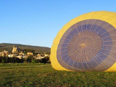 在Bages-曼雷萨的气球飞行+文凭和照片