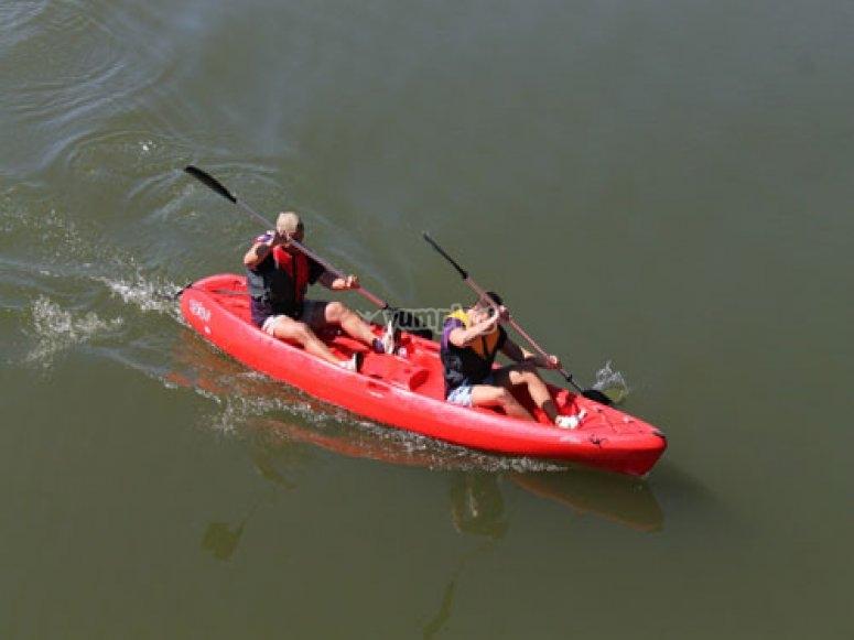 Clase de navegación en kayak