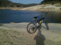Paseo en bici eléctrica en el Pantano de San Juan