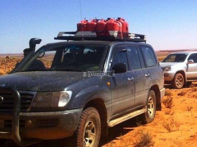 Todoterreno en el desierto