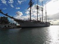 Navegando junto a grandes veleros
