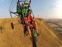 在La Muela的动力伞特别飞行15分钟
