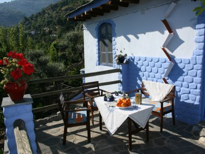 Alojamiento en Lanjarón comida y 2 multiaventuras