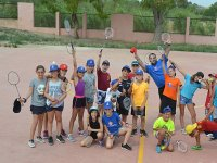 Clase de badminton en el campamento de Castellon