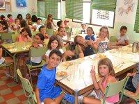 Hora de comer en el campamento de Castellon