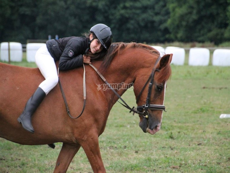 Niña con el caballo