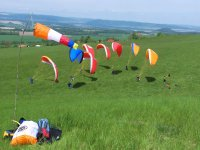 滑翔伞寻找风