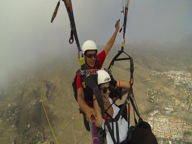 Volar en parapente en Canarias