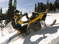 雪地车加拿大探索加拿大