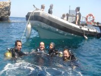 Scuba dive from a speedboat