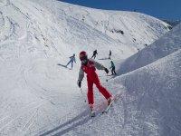 Clase grupal de esquí para niños 2 horas Valdesquí