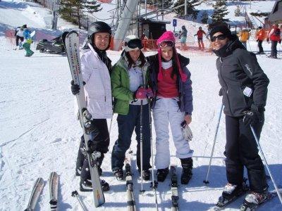 Valdesquí的成人滑雪组课程2小时