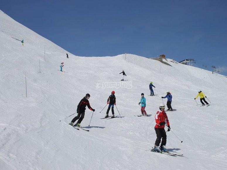 Esquiando en Valdesqui