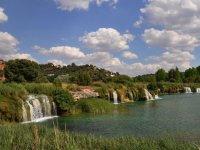 Lagunas de Ruidera的瀑布