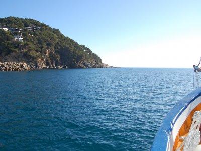 Garoinada, paseo en velero y cata de erizos