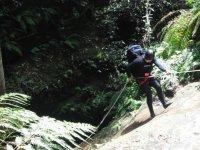 Rappel进入峡谷