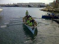 En la canoa remando
