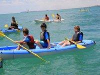 I bambini in canoa